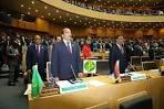 ضمن حملة انتخابية   شبه صريحة  ينتهز  ولد عبد العزيز  كل فرصة  للظهور   ومخاطبة الرأي  العام ،  وضمن هذا الفلكلور   الانتخابي    سيحتفل  غدا عزيز   وأشياعه  بيوم الوحدة الإفريقية  الموافق 25 مايو